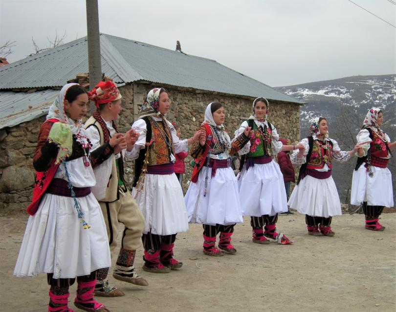 БНТ в подкрепа на българските училища зад граница