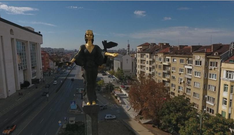 Пари за шофьорите и ревизия на ремонтите - кметът на София Йорданка Фандъкова