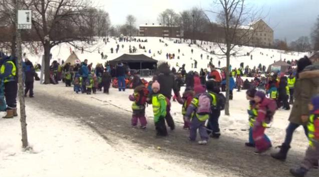 Ледената арфа - в Светът на живо