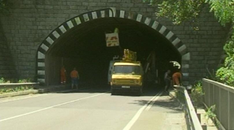 """По дирите на документите за търга на тунел """"Железница"""". Гостува Лиляна Павлова"""