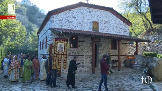 Възстановиха храм на името на Света Петка в Мелник