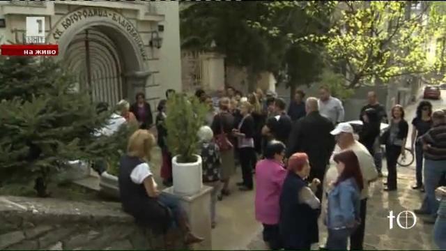 Защо има напрежение в една от знаковите енории на Асеновград?