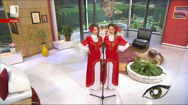 На Лазаровден две съвременни лазарки с ангелски гласове