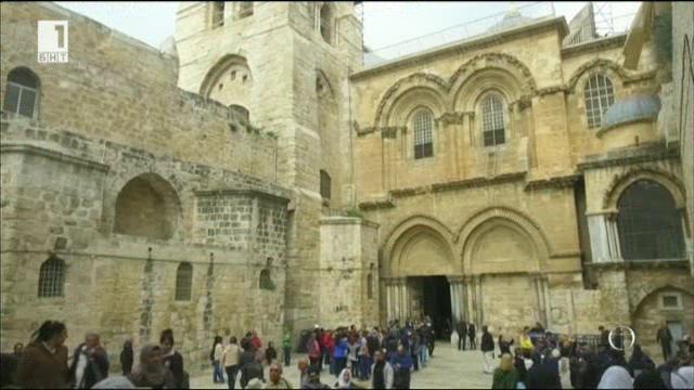 Възстановяването на параклиса на Божи гроб след 9 месеца реставрация