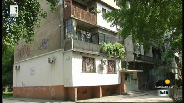 Атрактивен балкон във възрожденски стил разпали дискусии