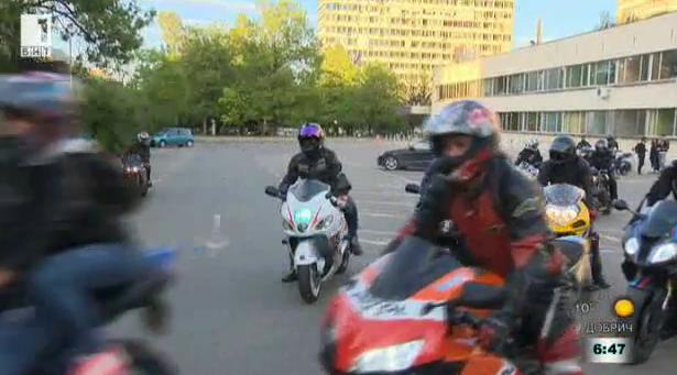 Мотористи в кампания на ВМА за донорството