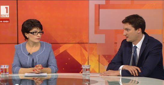 Управляващи и опозиция - депутатите Десислава Атанасова и Крум Зарков