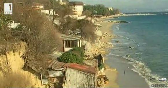 Свлачища тормозят Варна от години. Има ли решение на проблема?