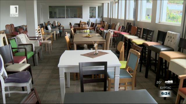 Мебелна фирма от Троян търгува на три контитента с помощта на ОПИК