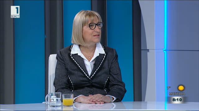 Цачева: Недопустими са внушенията за бойкот на управляващите към президента