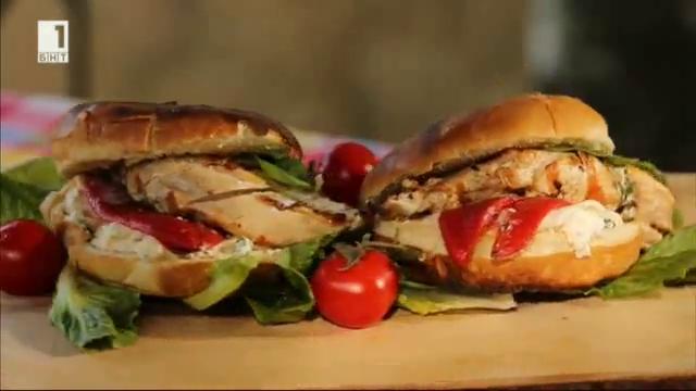 Пилешки бъргър на барбекю с крема сос
