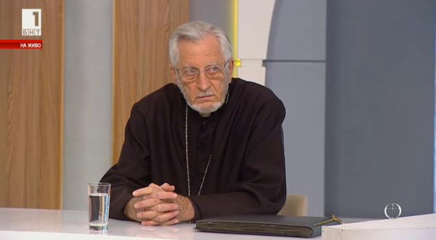 """Свещеник Борис Дрангов от българо-македонската църква """"Св.Георги"""" в Торонто"""