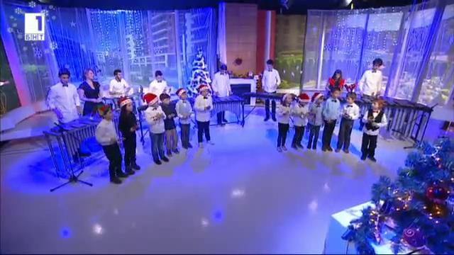 Коледен поздрав на децата от Палиеви искри