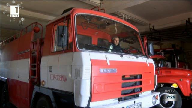 Огнеборец възстанови най-важния пожарен автомобил в службата си
