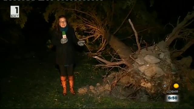 Ситуацията в карловското село Васил Левски след урагана вчера
