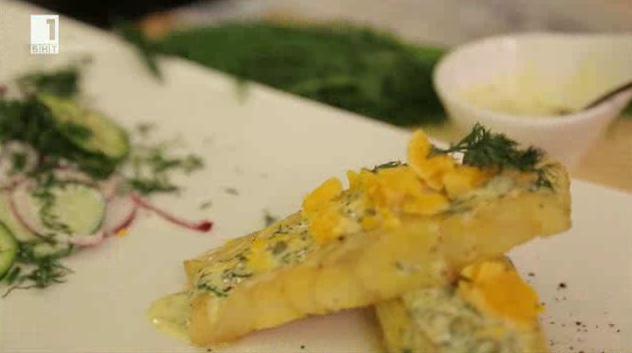 Хрупкава риба със салата от краставици