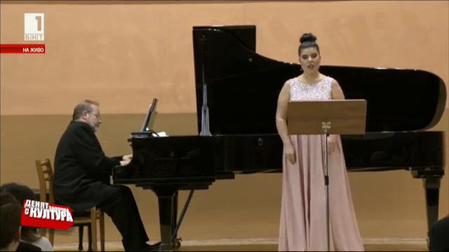 Мила Михова в зала България