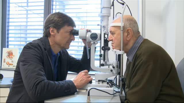 Световноизвестният очен хирург д-р Карл Клаес