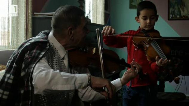 Малка история от света на ромите: Душа-цигулка