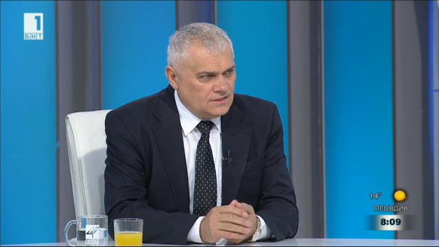 Министър Валентин Радев: МВР няма работа на спортните събития