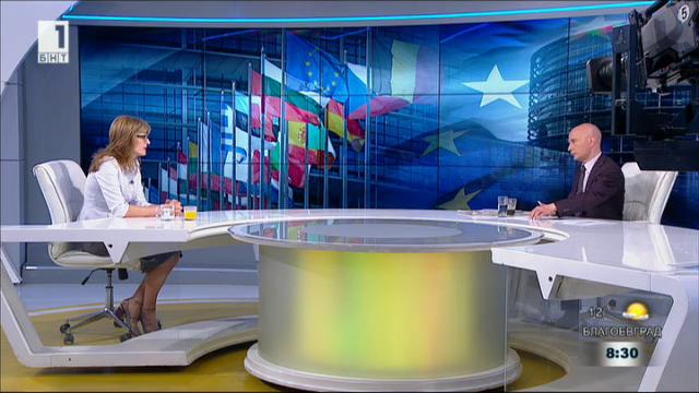 Министър Захариева: Политиката на НАТО за отворени врати се запазва