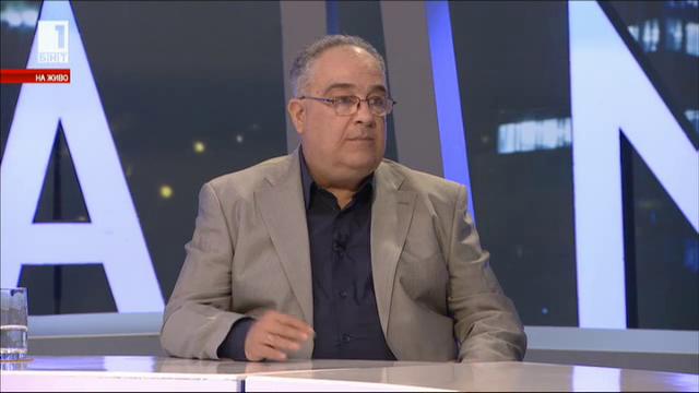 Футболни войни - коментира Петър Василев