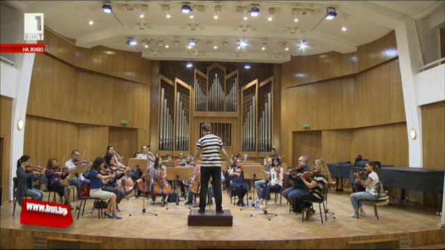 Концерт на Академичния симфоничен оркестър и солисти на НМА