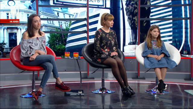 Семейна събота: Лара Златарева и двете ѝ дъщери