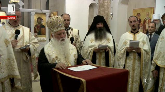 Защо не дойдоха българските архиереи?