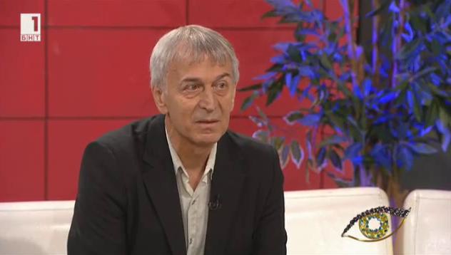 Румен Стоичков - радиожурналистът с над 7000 звездни автографи
