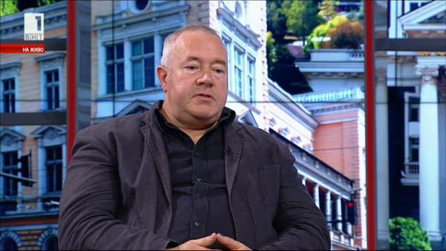 Харалан Александров: Политическото шоу предлага не по-малко страсти от футбола