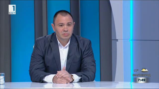 Лазаров: Лидерите на ЕС са неспособни да се справят с проблема с мигрантите