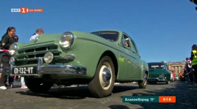 Изложение на ретро автомобили във Франция