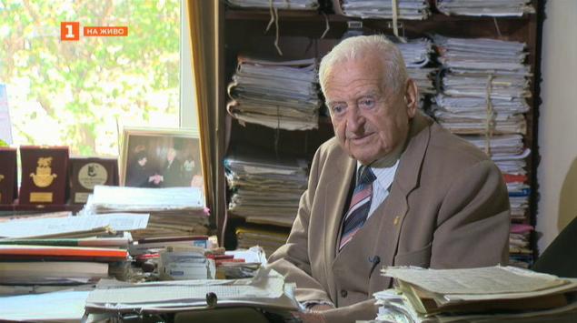 Адвокат от три Българии