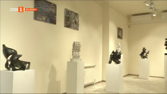 27 малки пластики на Снежана Симеонова в галерия Контраст