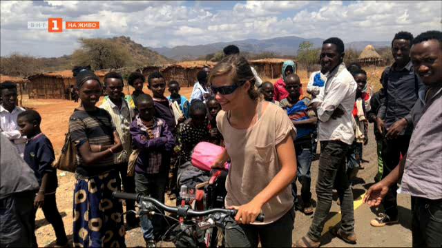 Какво отвежда три млади момичета на някои от най-опасните места по света и у нас