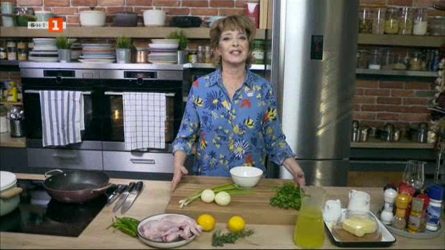 "Пилешки крилца със сос ""Чимичури"" и картофено пюре и сусамки със солен карамел"