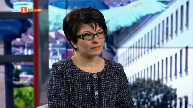 Десислава Атанасова: Парадокс е Корнелия Нинова да говори за демокрация