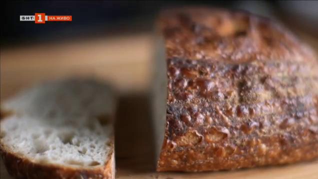 Рецептата за безглутеновия вегетариански хляб с брашно от елда и бадеми