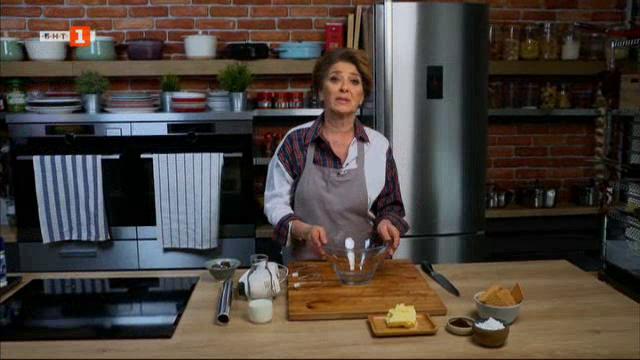 Сладък салам с шоколад и орехи и пилешки руладини със спанак и сирене