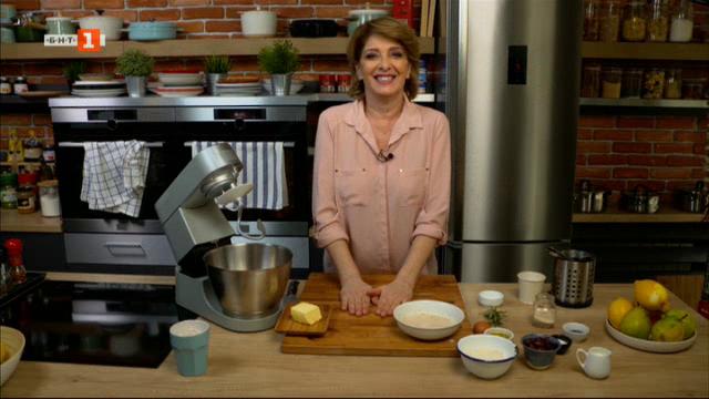 Класическа супа Минестроне е хляб с маслини и розмарин