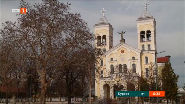 Жителите на Раковски ще подарят картина на папа Франциск