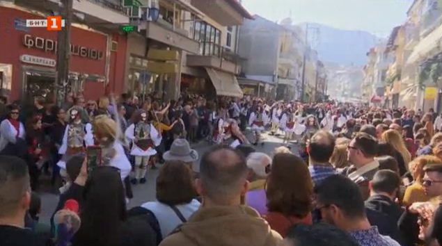 На карнавал в Гърция
