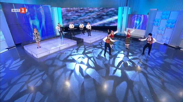 """Певиците Гергина и Мария Нейчеви, оркестър """"Плам"""" и трупата """"Танца на вятъра"""""""