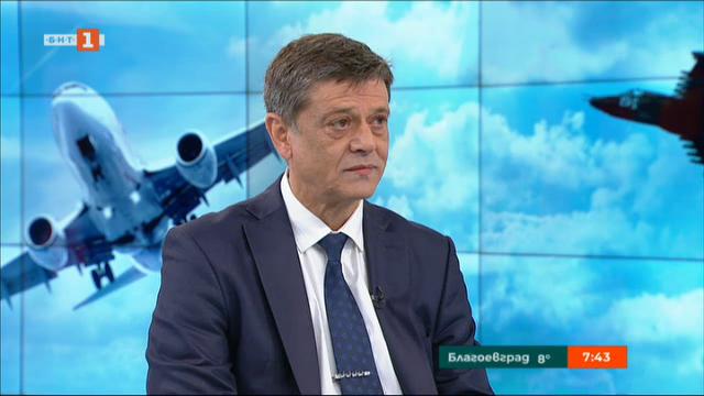 Ген. Константин Попов: Военновъздушното училище е марка!