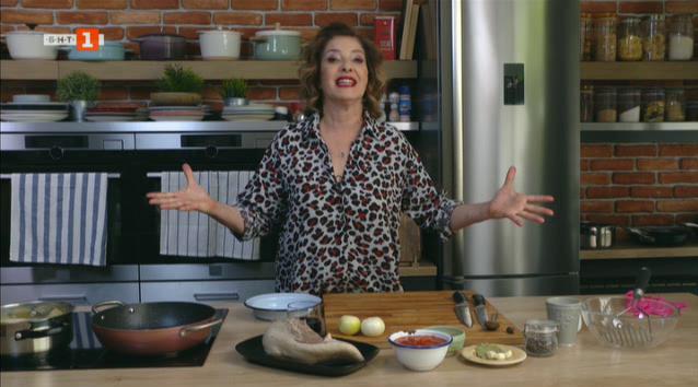 Телешки език в доматен сос с картофено пюре и пролетна салата с бял боб