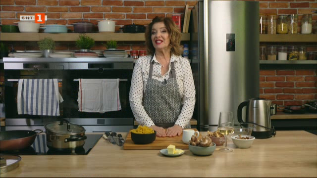 Паста с гъби и сметанов сос, пудинг с козунак