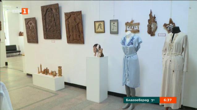 Шевици, дърворезба и художествени фолклорни пана в изложба на занаятите в Русе