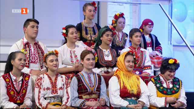 """""""Да се надпеем"""" - първа част на състезанието за певци на """"Иде нашенската музика"""""""