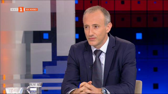 Кр. Вълчев: Не бива да възпитаме децата в равнодушие към термина диктатура